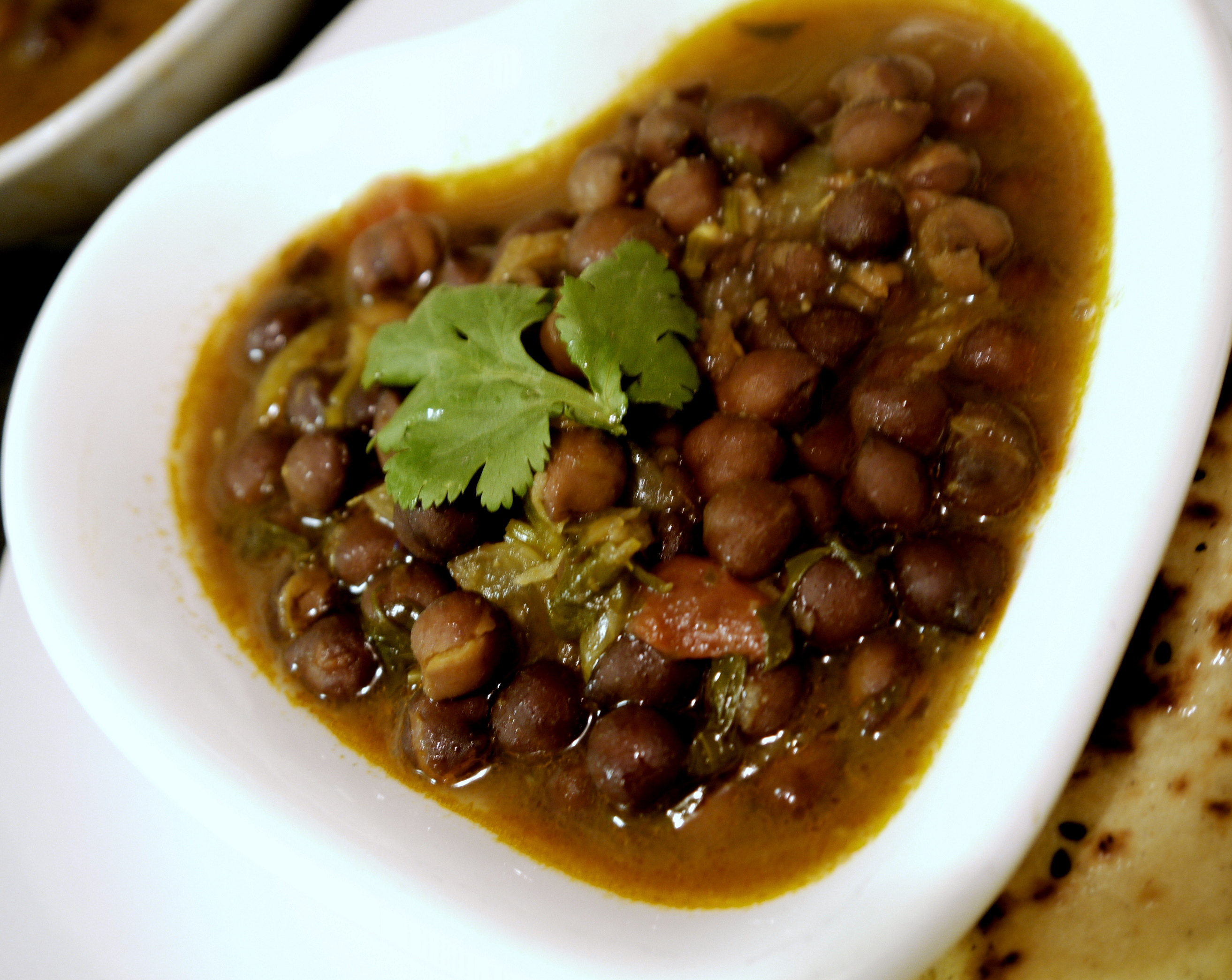 Spicy indian black chickpea curry recipe monicas spice diary i love chickpeas forumfinder Gallery